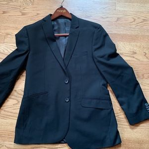 Kenneth Cole 42R suit coat